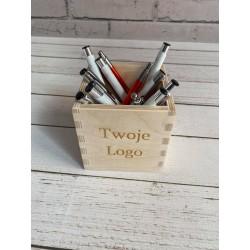 Pudełko na długopisy
